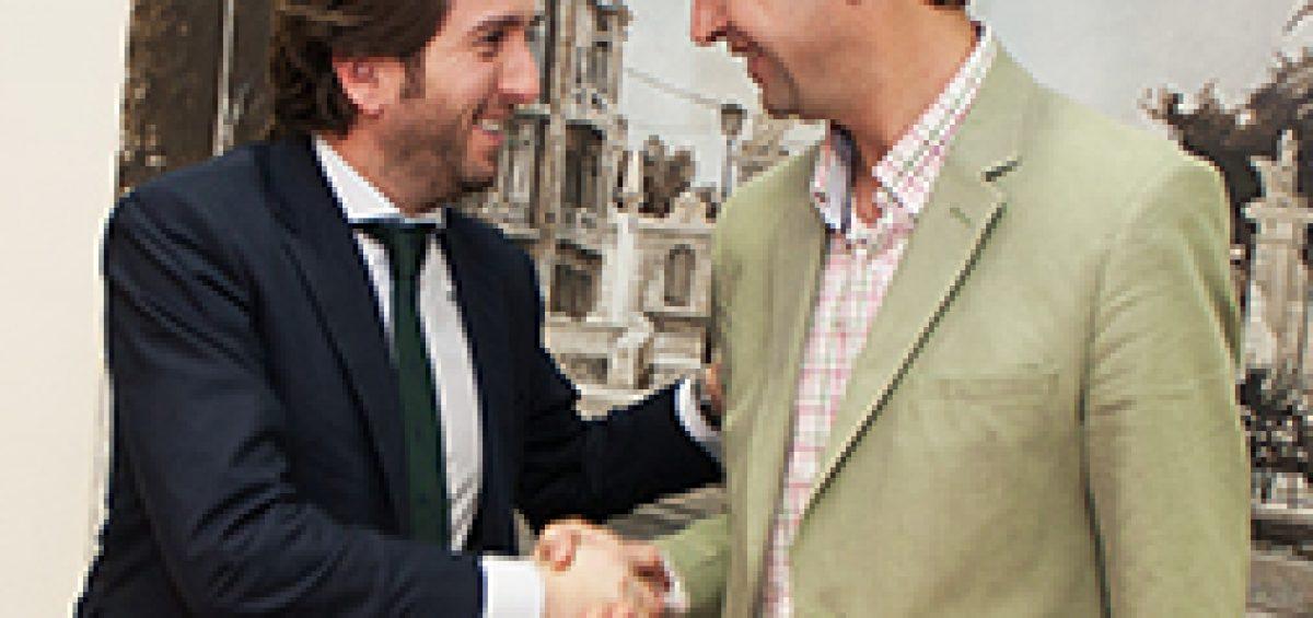 Firma contrato Secuoya 7RM