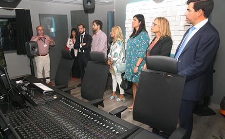 Grupo Secuoya recibe en su sede de Tres Cantos a una delegación de concejales del ayuntamiento